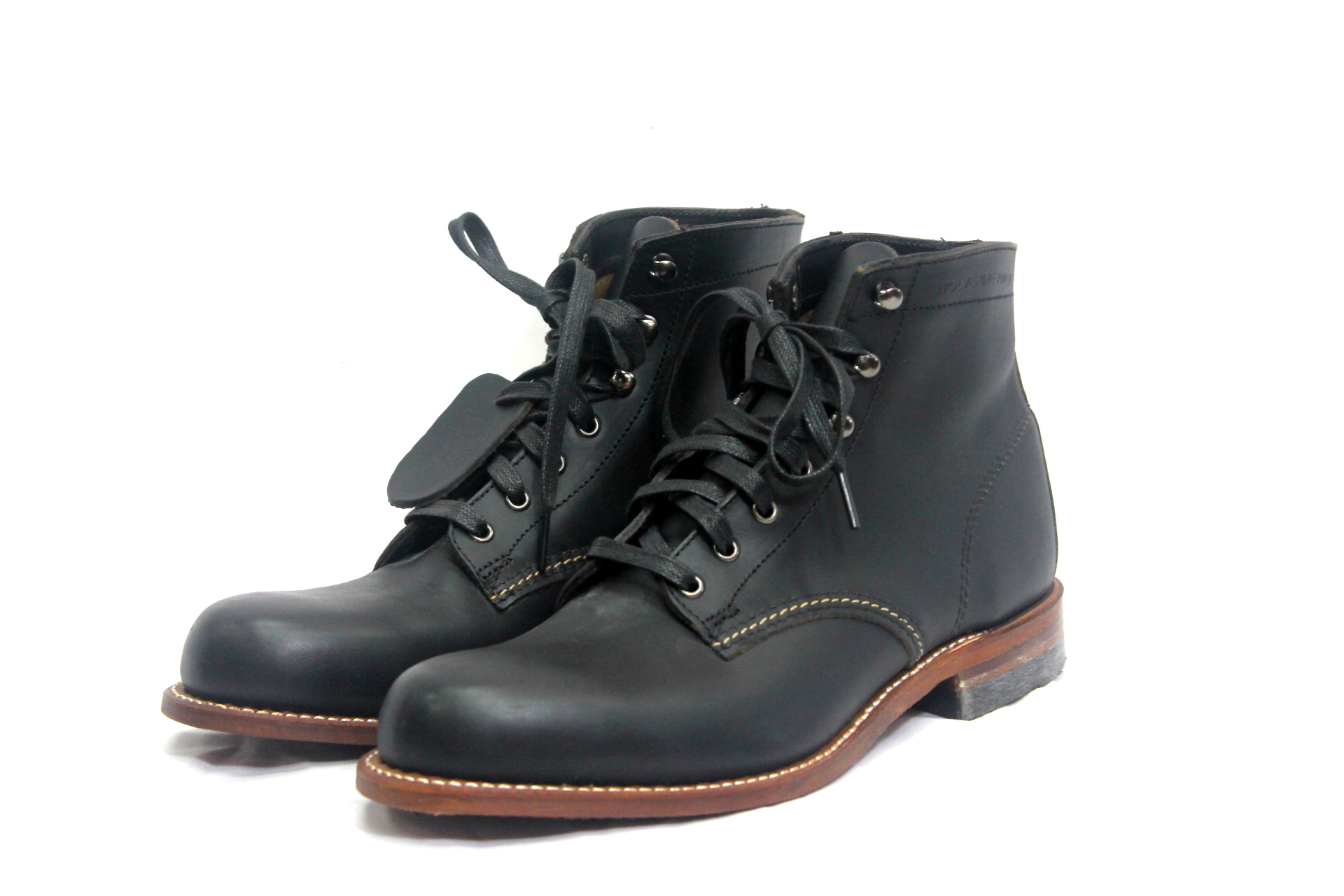 wolverine 1000miles boots black in motion sports